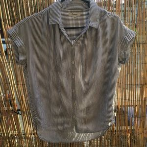 Madewell buttons down short sleeves shirt size XS